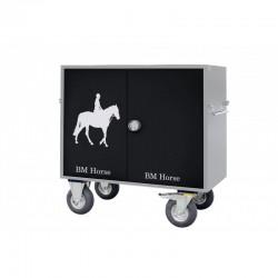 szaro-czarna aluminiowa skrzynia na sprzęt jeździecki